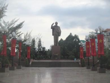 statue Ho Chi Minh Cân Tho