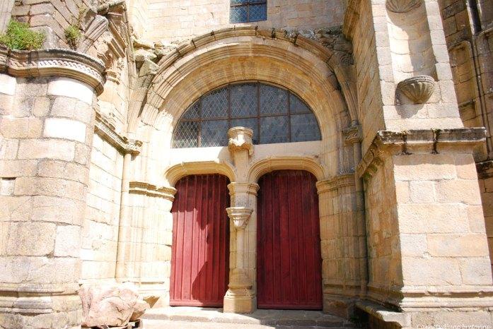 porte-ouest-chapelle-ste-avoye-pluneret