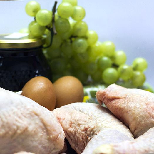 Carne de pollo de venta en carniceria tradicional de Gijon