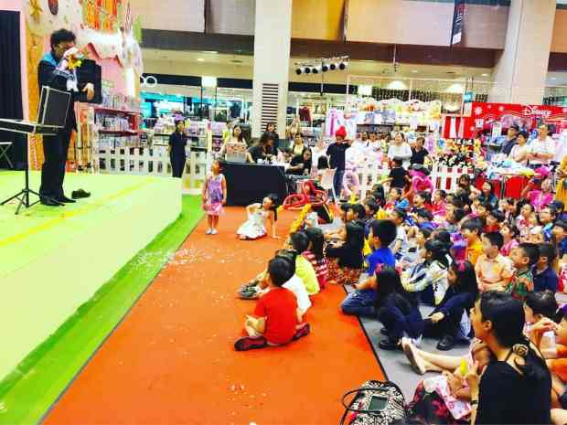 puppet-show-singapore
