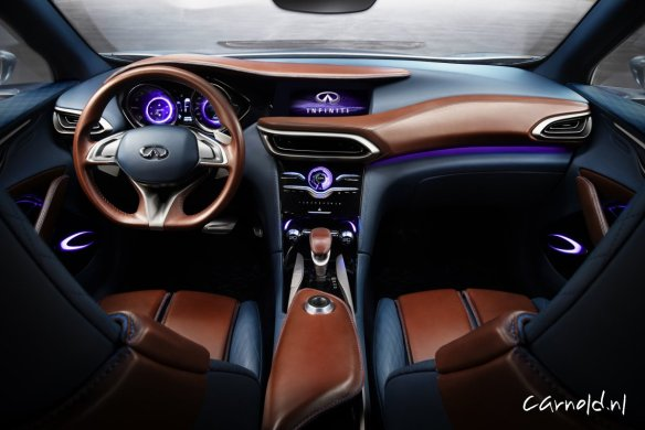 Infiniti_QX30_interior