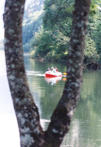 Caro 11 ans et demi camping a la ferme - Jura 001