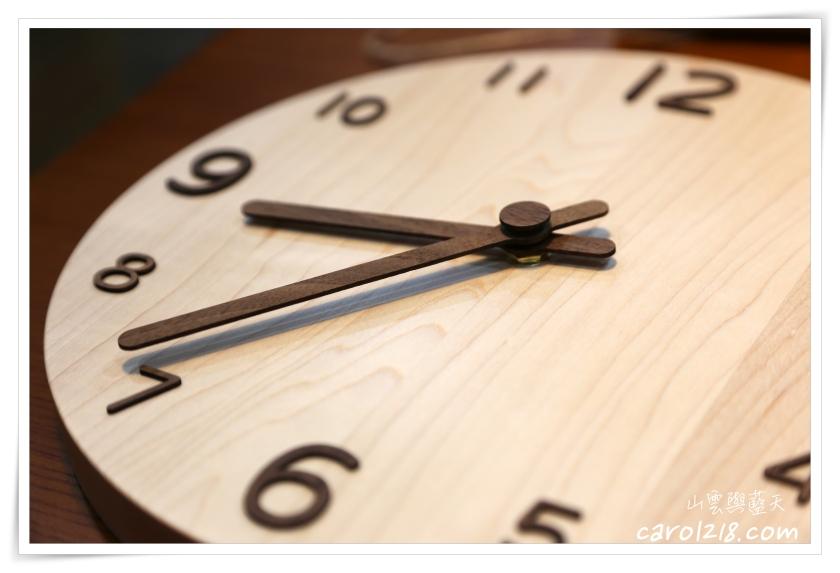 tik á竹乙太工作室,質感溫潤北歐極簡獨一無二的手工原木時鐘