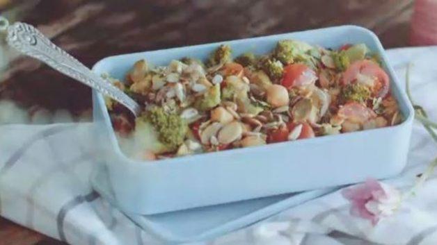 salada de grao de bico e abacate