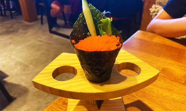 八條壽司蝦卵手捲