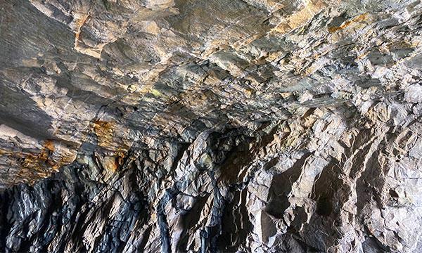 翟山坑道花崗岩