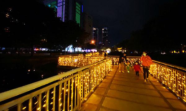 萬坪公園步道點燈