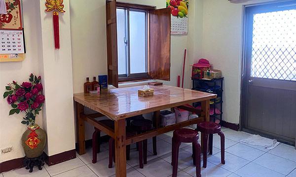 溫馨民宿 一樓餐桌