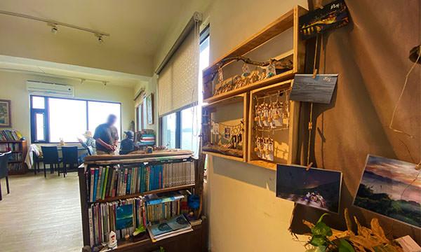 刺鳥咖啡書店販售紀念品