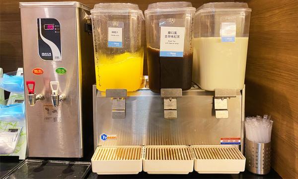 紅茶、柳橙汁、牛奶