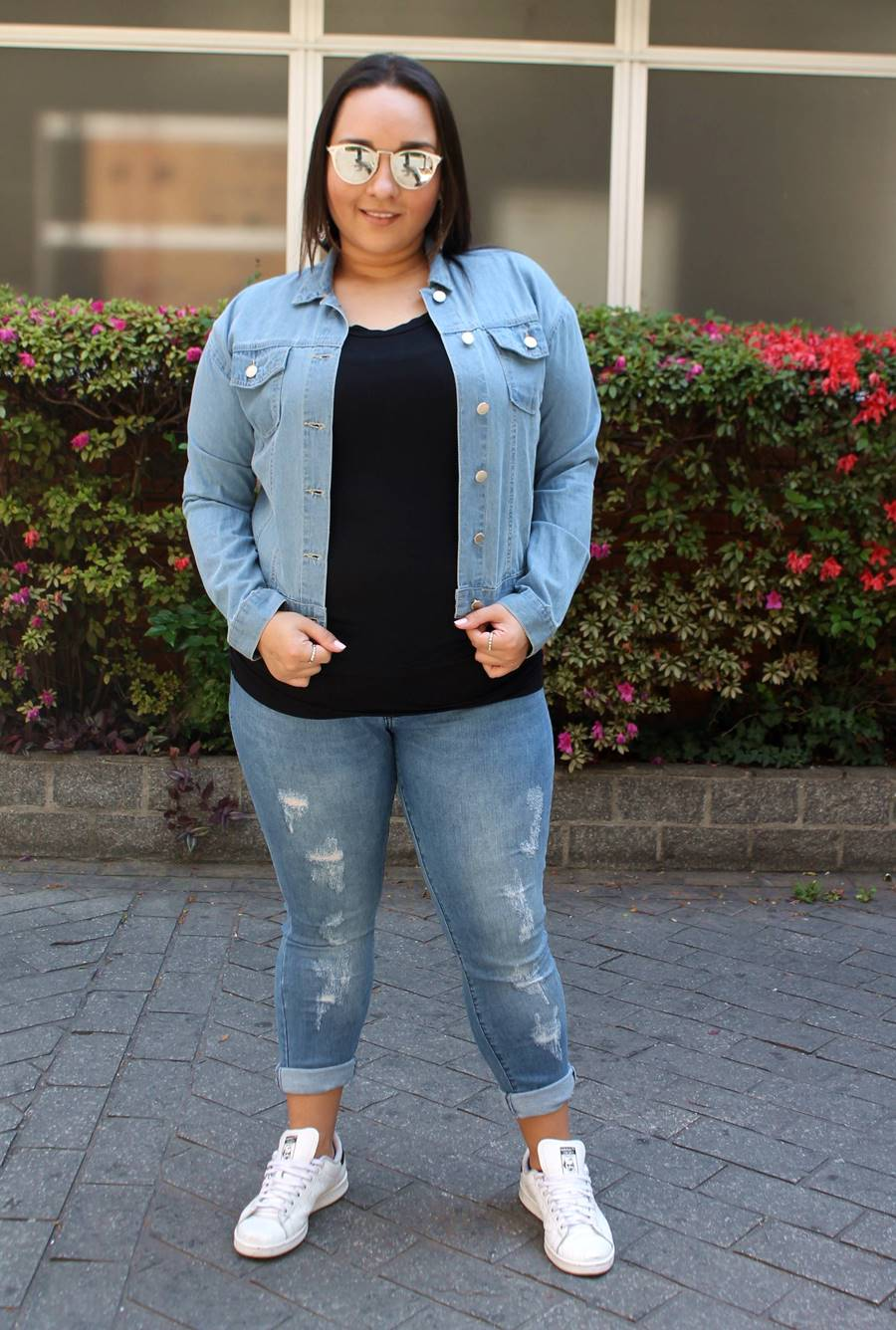 look do dia Carol Doria Basic camisa jeans pernambucanas