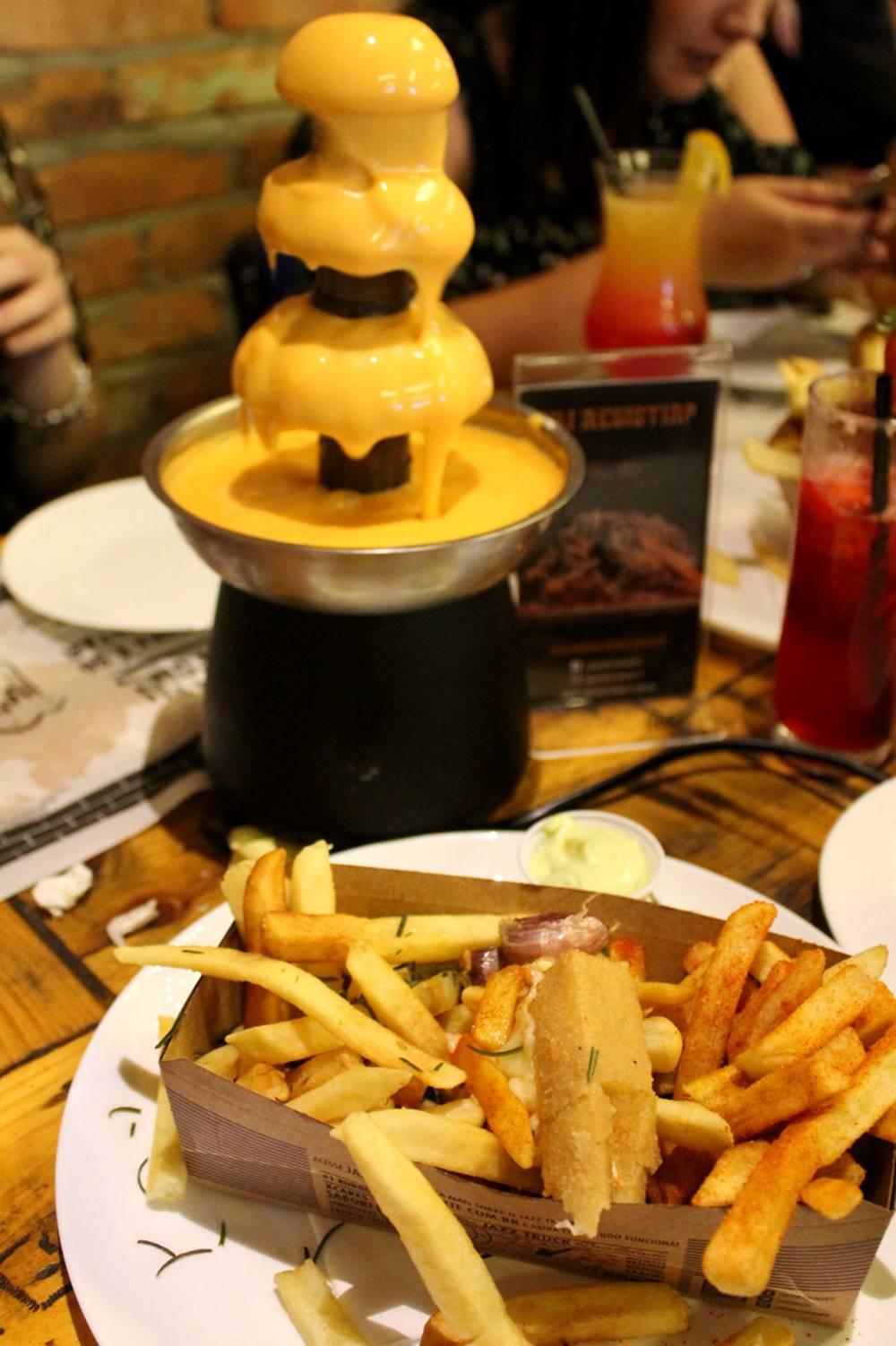 Torre de cheddar do Jazz Restô Burguers parceiro #Bloggerssecret