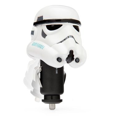 iiuk_stormtrooper_helmet_car_charger_white_w_600