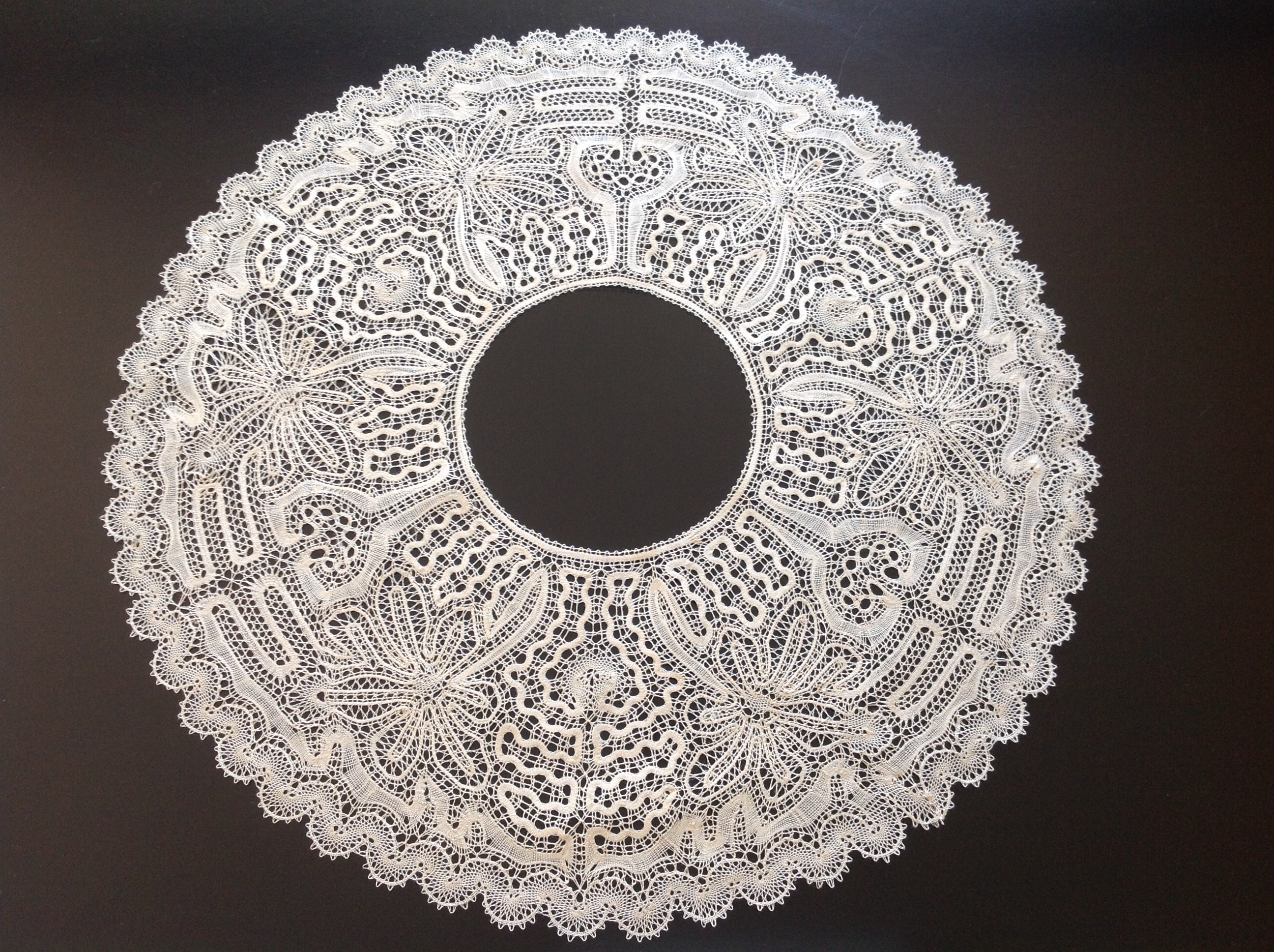 Picados de Hinojosa – LACE AND LACEMAKING