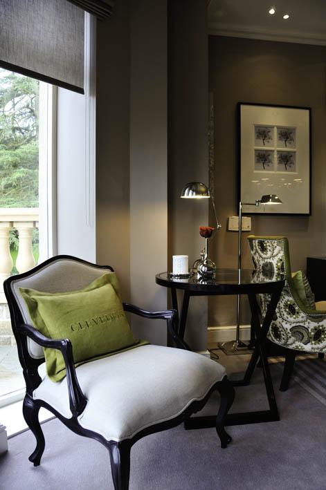 Clevedon cushion green
