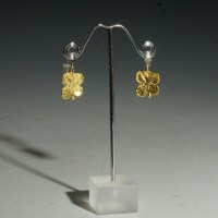 Impression Dandle Earrings Gold
