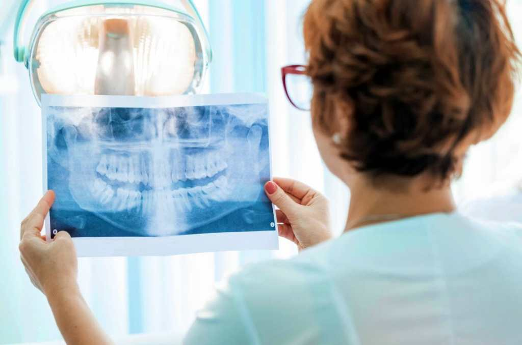 Dentists are choosing Cloud-based Telephone Services for their Practice