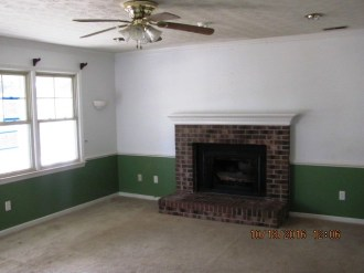 204-poplar-living-room