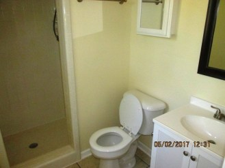 111 Bells Master Bathroom