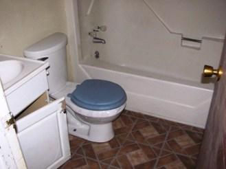 107 Cypress Bathroom