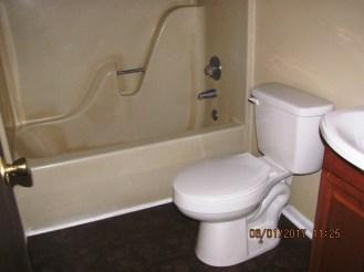 113 Quail Point Bathroom