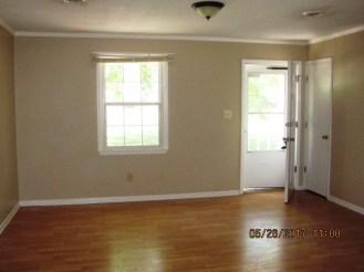 221 Sandridge Living Room