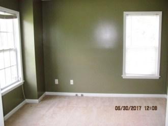 412 N Wilmington Living Room