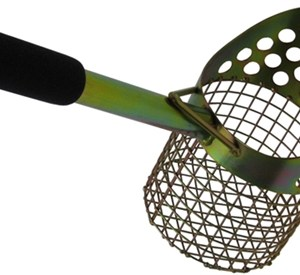 "Royal 15"" Single Perforated Beach Scoop"