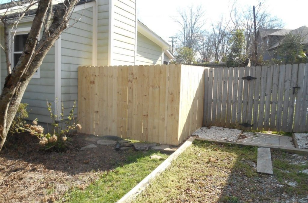 Demolition and 6′ Stockade Privacy Fence Install