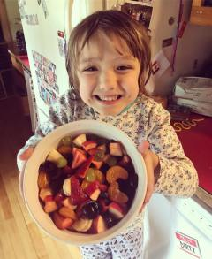 This_kid_made_her_first_fruit_salad.