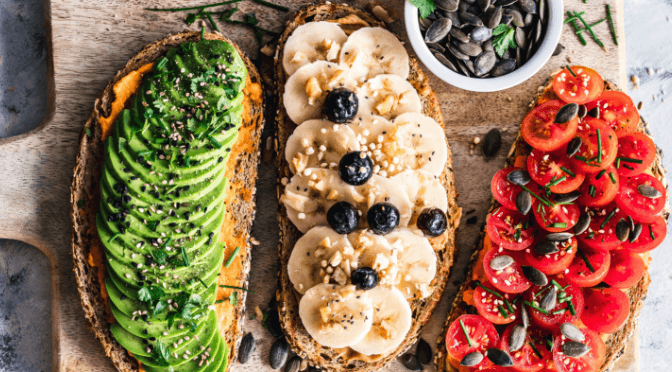 INTERMITTENT FASTING VS. VEGANISM – DO YOU NEED TO CHOOSE?