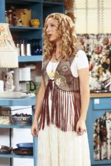 677aff9c0c3c61550b41fd929f25234a--friends-tv-friends-phoebe-outfits