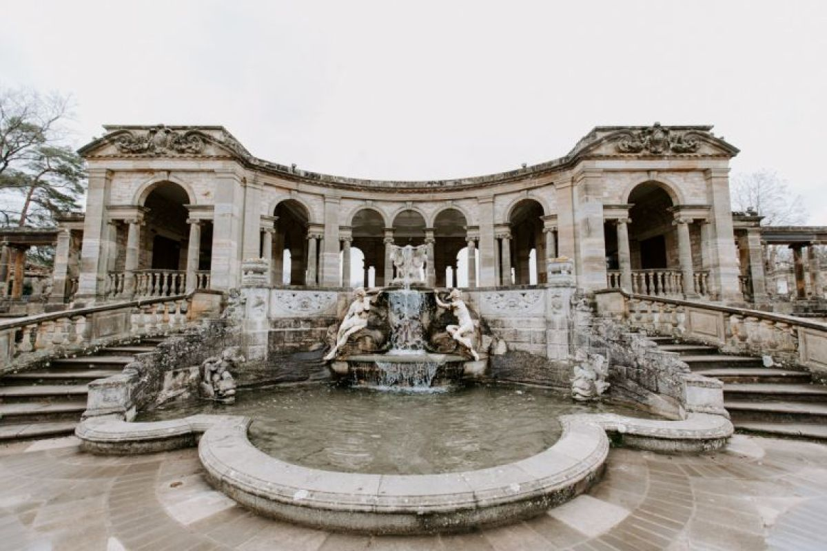 Hever Castle Italian Gardens wedding venue