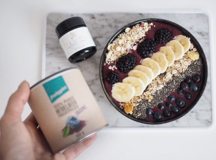 Food, Foodblogger Hamburg, Foodblogger, Foodie, Healthy Living, Healthy Lifestyle, Smoothie Bowl, Blueberry Smoothie Bowl, Acai Bowl, Ylumi, froogies, Clean Eating, Paleo, Breakfast, Healthy Breakfast
