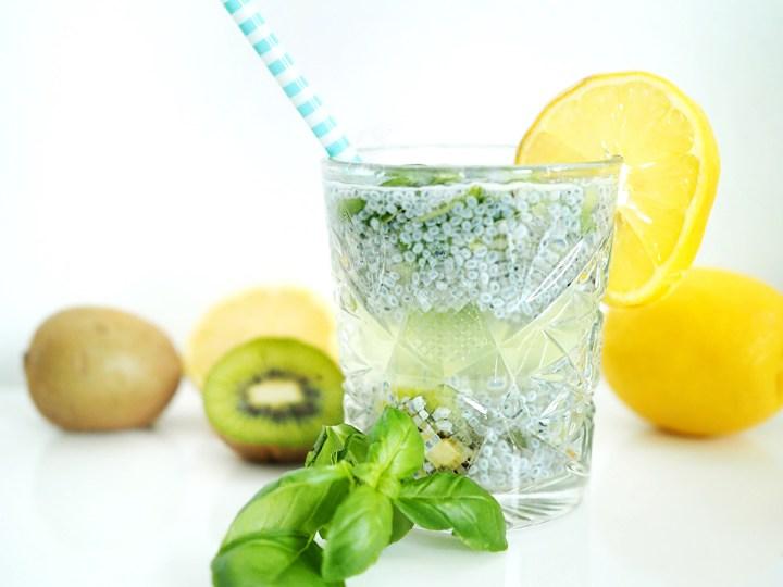 Basilikum-Kiwi-Limonade