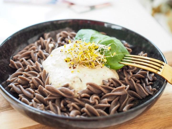 Basisch Lunchen: Buchweizen Pasta mit Cashew-Trüffel Creme (vegan + glutenfrei)