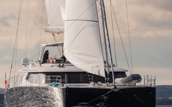 90' sailing yacht ORION catamaran aft view