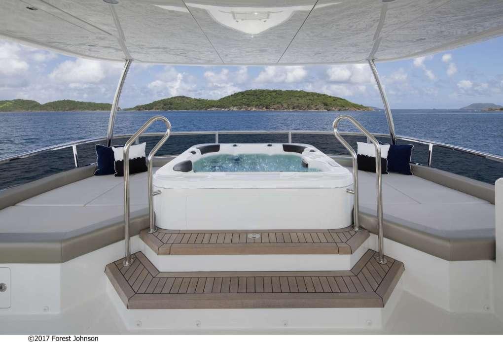 Jacuzzi on motor yacht SUGARAY's sun deck
