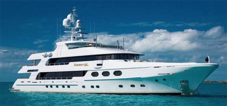 Main shot profile of 162ft Christensen motor yacht REMEMBER WHEN