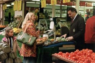 02_Roxy at market