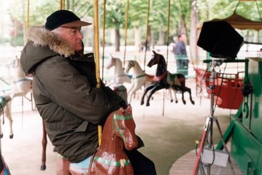 21_Jim on merry-go-round
