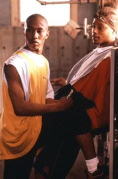 Fredro Starr and Terrence DaShon Howard in locker room