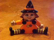 Dona 1422 Button-Jointed Witch (CC)