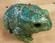Nowell 0894 large garden frog glazed