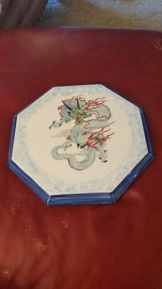 Dragon on octagon plate CC