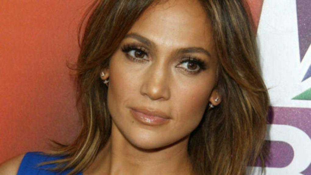Jennifer Lopez Signo Leão