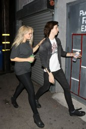 debby-ryan-night-out-style-at-the-troubadour-in-west-hollywood-06-640x960