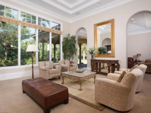 Vaulted ceilings, ample spaces