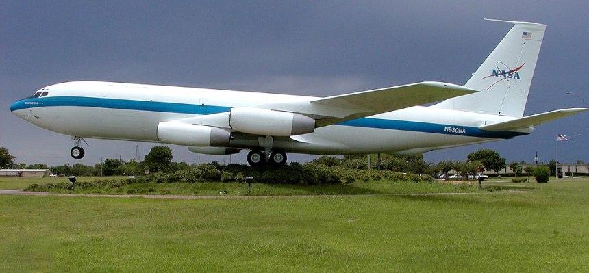 1024px-KC-135_0G_Aircraft_Nicknamed_Vomit_Comet