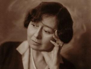 """Fra Janneken Øverlands Cora sandel om seg selv: Sara Fabricius i 1926 da Gyldendal Norsk Forlag lanserte henne som Cora Sandel, forfatter av suksessromanen """"Alberte og Jacob"""""""